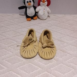 🇨🇦Buttery soft hand made moccassins-NWOT